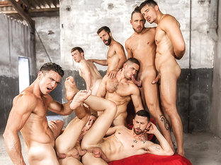 Darius Ferdynand & Dato Foland & Gabriel Cross & Hector De Silva & Jay Robertsin Sense 8 : A Gay X.