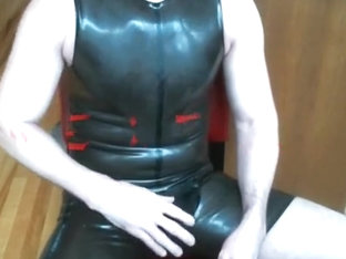 Edging in my Rubber SurfSuit