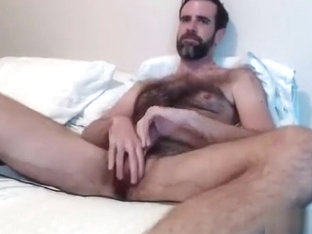 handsome dilf jerks off on cam