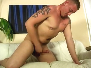 Tattooed Stud Jacks Himself Off On Cam
