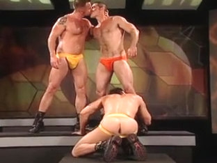 3 GUYS SUCK and FUCK - Gay Video