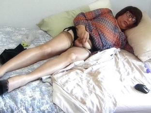 Bobbie's Horny Nylon Saturday #1