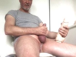 Cumming on t-shirt so hot!