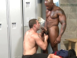 Interracial locker room gay sex - BAREBACK