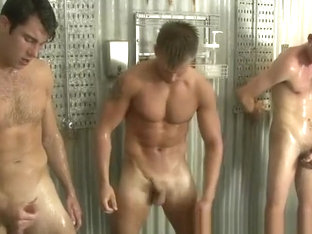 SHOWER CIRCLE JERK