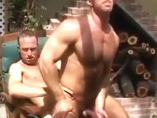 Eric Evans fucked outdoor