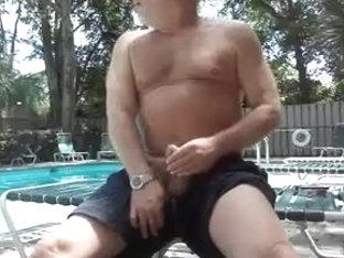 Poolside Cum Geyser
