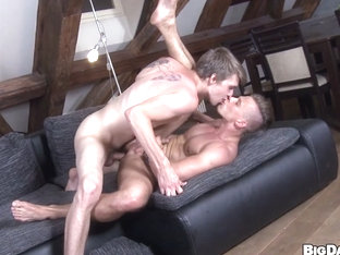 Sexy Muscular Studs Anal Sex Sexapade - BigDaddy