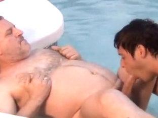 mandy oral sex in pool