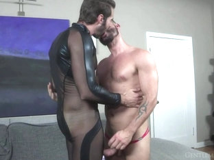 Dani Robles & Tex Davidson in Walk In Closet: Tex Davidson And Dani Robles - KinkMen