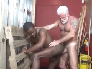 JAKE-SILVER DADDY THE BARBER FUCK HIS BLACK HOLE