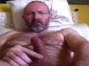italian mature man jarking off n.2