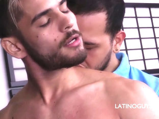 Latino Papi Daguy Facefucking Italo - LatinoGuysPorn