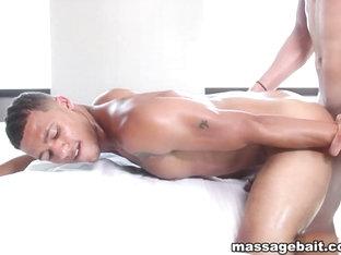 Sexy and Hung - MassageBait