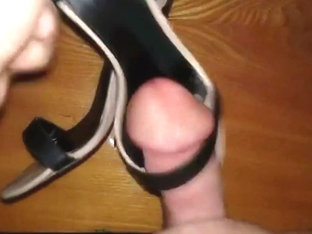 A close firend s sexy summer sandals cummed several times