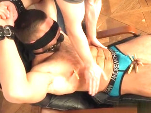 Muscle bodybuilder spanking with cumshot