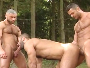 Forest Three-way: Don Ca millo, Alex Baresi Francois Sagat