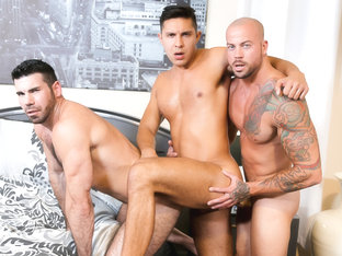 Sean Duran & Billy Santoro & Seth Santoro in Sharing Done Right Video - MenOver30