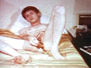 VintageGayLoops Video: Day Dreaming