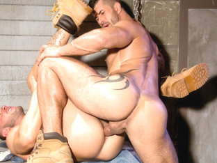 Tyler Wolf & Adam Killian in Hung Americans 1, Scene 04 - HotHouse