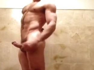 Muscle Straight Guy Fucks With Twink
