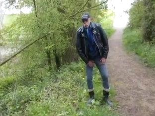 nlboots - had to urinate