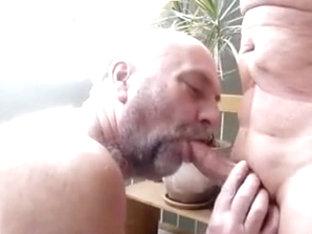 daddy beim Lutschen