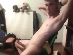 Super Sexy Athletic Boy With Big Cock Cums On Cam,Hot Ass
