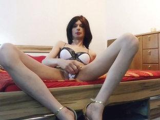 Sexy Skinny tgirl Nadine Dildo