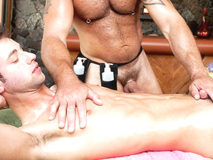 Sexy Little Man Scene - RubHim