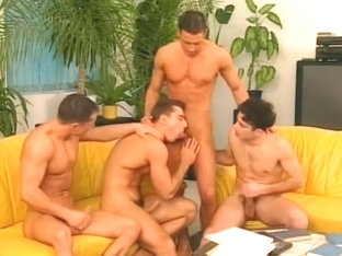 Four Muscular Athletes With Gorgeous Bodies In Hot Sex Orgy