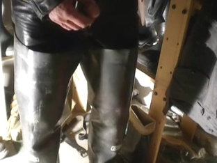 nlboots - rubber waders leather trousers piss