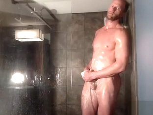 dilf jerks off in shower on cam