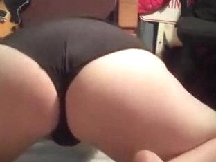 Big White Booty Shake