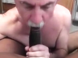 MikeySucksIT DICK BEING FED TO ME BY MY FRIEND DatDonk