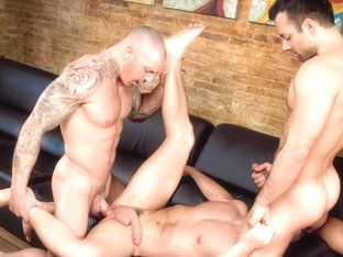 Sexo En Barcelona - Part 1 XXX Video: Marc Dylan, Francesco D'Macho, Frederic Duris