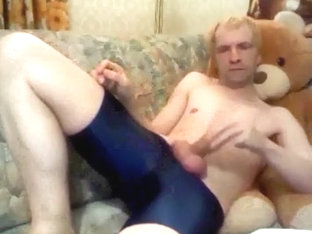 jerk off in lycra shorts