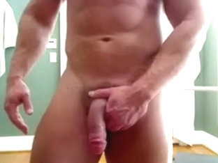HUNG BODYBUILDER