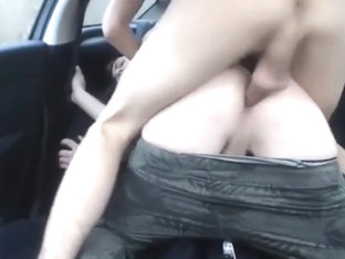 Barefucking in Car with huge Load
