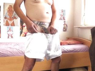 weisse shorts und snake string