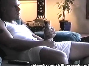 Amateur and Hung Vinnie Beating Off - Str8BoyzSeduced