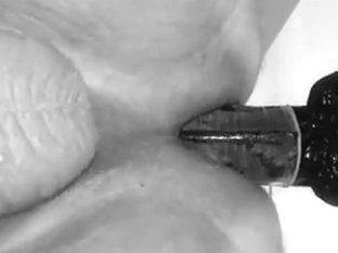 Amateur huge dildo