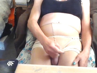 Cumming on pantyhose