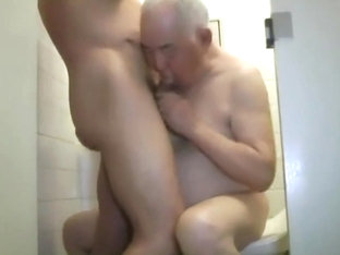 Handsome Daddy Suck Cock In The Toilet Part 2
