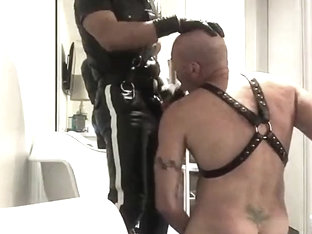 LEATHER COP MASTER 01 - CUM FEEDS HIS SLAVE AT HOTEL