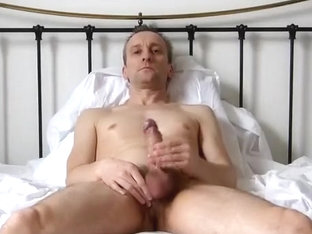 Howieboy1 Jerks and eats cum