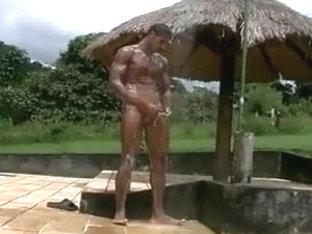 Poolside solo