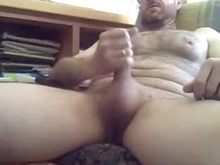 Daddy jerking off on panties