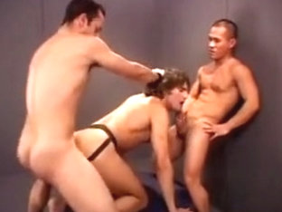 Jeff Palmer gangbanged (part 3 : friendwn boys)