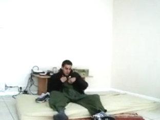 Arab boyfrend stroke in Nike Airmax Tn Rekin